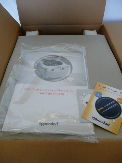 Eppendorf 5702 Non-Refrigerated Benchtop Centrifuge