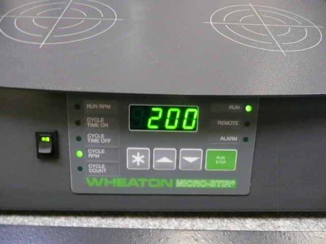 Wheaton W900701-A MicroStir 4-Place Slow Speed Magnetic Stirrer