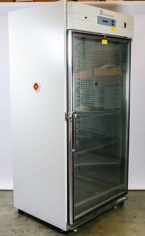 Thermo Scientific Forma 29 CU. ft. Reach-In Incubator, Model 3950